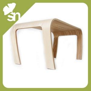 Tavolino design legno frassino bambini tavolo metodo - Tavolino legno bambini ...