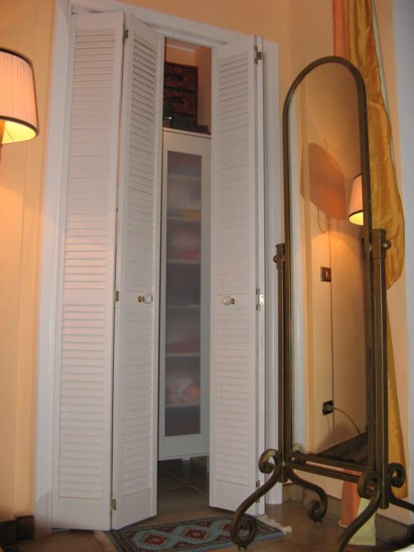 Anta persiana a soffietto per cabina armadio 45 7x203 2 in - Armadio un anta ikea ...